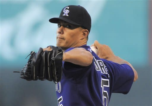 Padres offense breaks out in 7-1 win over Rockies