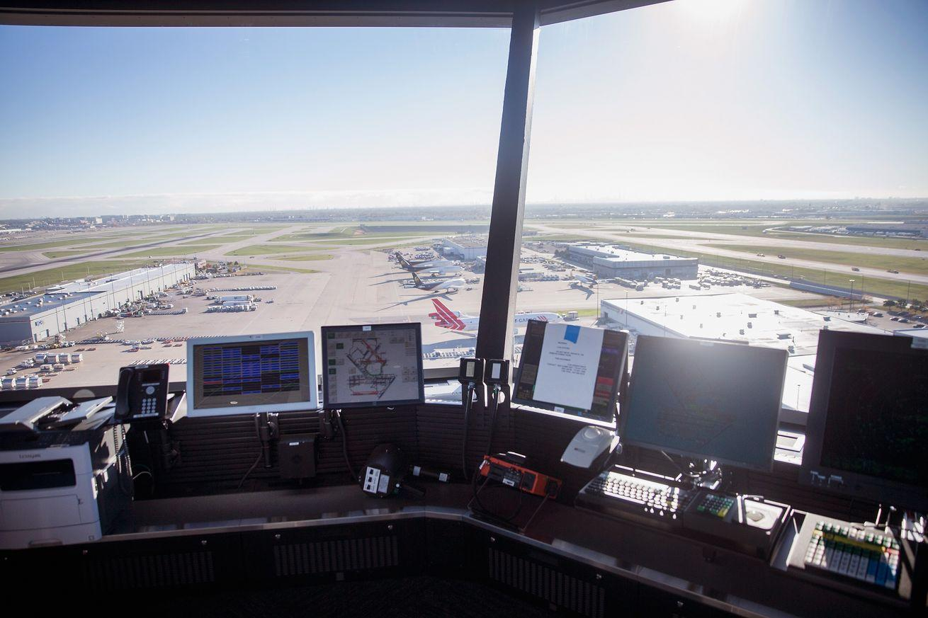 Congress wants to privatize US air traffic control, but what does it mean for flyers?