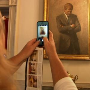 Raw: White House Ban on Visitor Photos Lifted