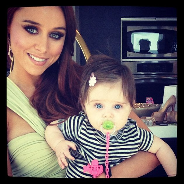 Celebrity photos: The Saturdays Una Healy has been separated from her daughter Aoife Belle over the past week as she flew back home to spend time with her dad, Rugby star Ben Foden. Una Healy tweeted