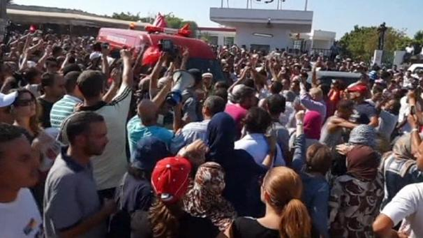 Tunisia protesters blame ruling Ennahda party for opposition leader Brahmi's murder