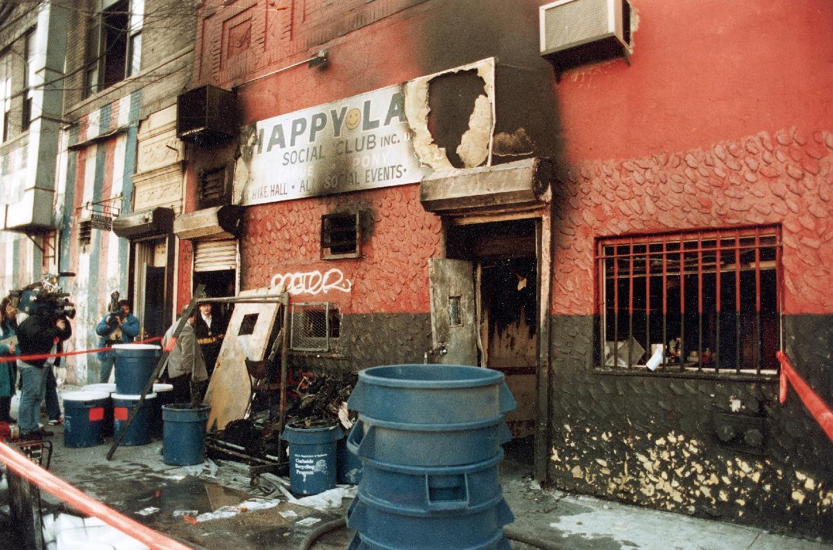 Families mark 25th anniversary of club fire that killed 87