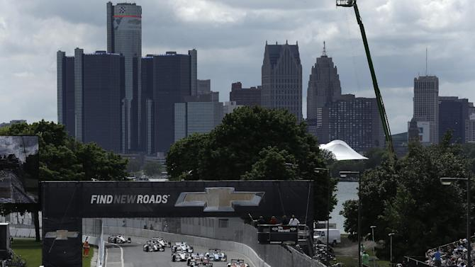 Drivers start the first of two IndyCar Detroit Grand Prix auto races on Belle Isle in Detroit Saturday, June 1, 2013. (AP Photo/Paul Sancya)