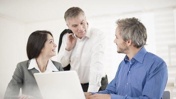 4 Ways to Overcome Age-Related Tension in the Office