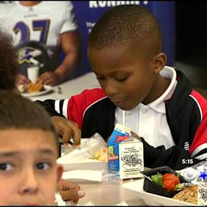 DISD Program Provides Students Dinner At School
