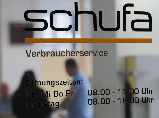 Die Auskunftei Schufa hat mit einem Forschungsprojekt zu Datenabfragen im Internet fr einen Sturm der Entrstung gesorgt. Personenbezogene Daten aus dem Netz knnten dann mit Bewertungen der Kreditwrdigkeit verknpft werden