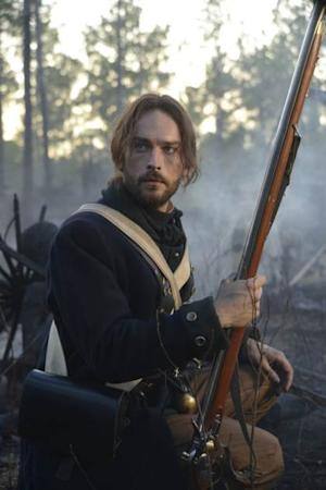 Ichabod Crane (Tom Mison) on the battlefield in the Revolutionary War in Episode 2 of 'Sleepy Hollow' -- FOX