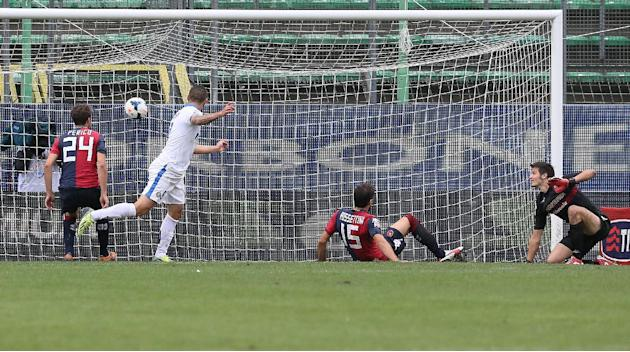Inter's Mauro Icardi scores during the Serie A soccer match between Cagliari and Inter Milan, at the Nereo Rocco Stadium in Trieste, Italy, Sunday, Sept. 29, 2013