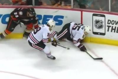 Jonathan Toews scores impossible game-tying goal with 37 seconds left