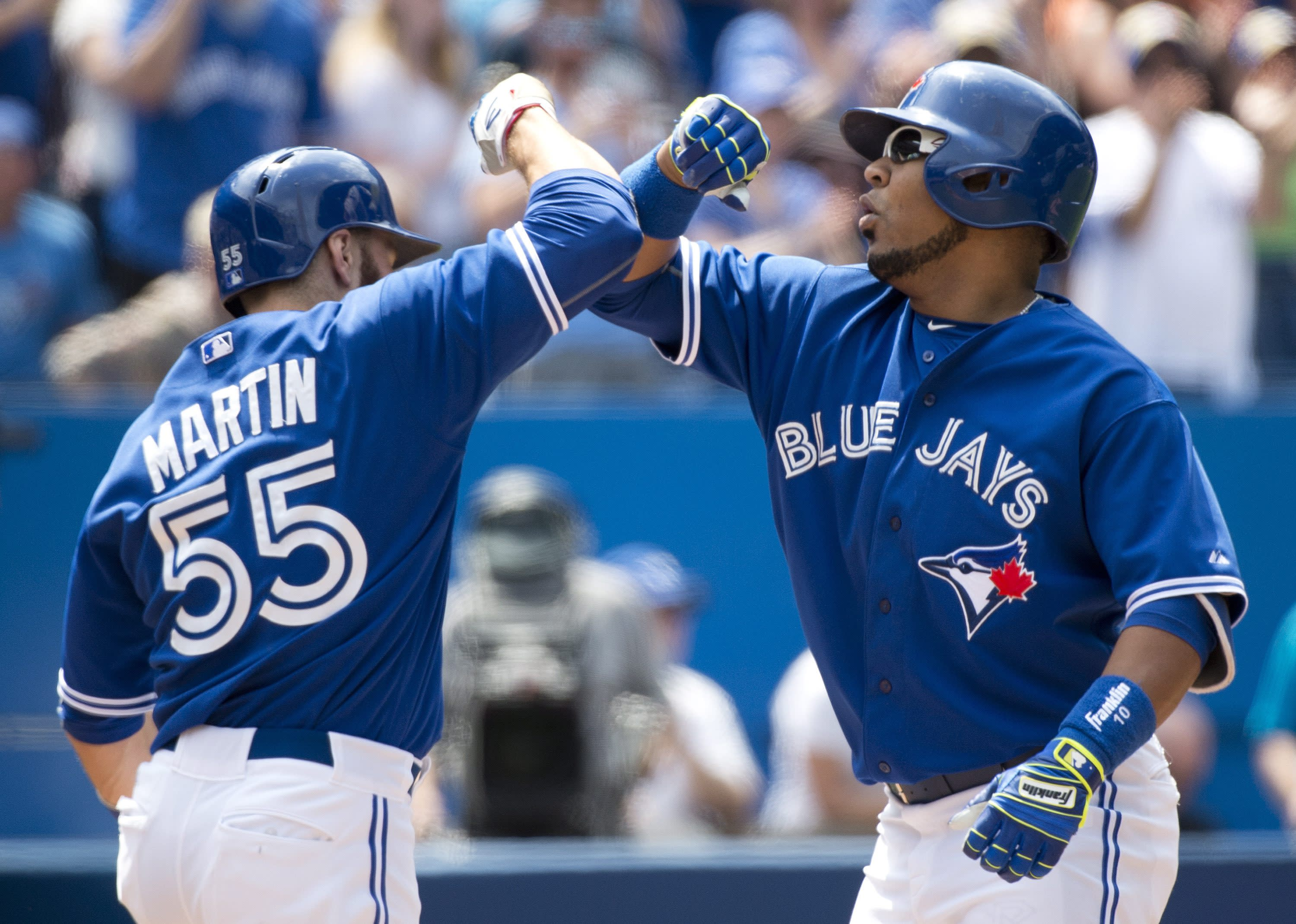 Encarnacion and Goins homer, Blue Jays beat Mariners 8-2