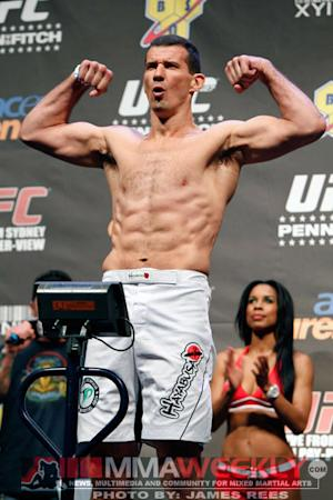 UFC 163 Fighter Bonuses: Anthony Perosh Leads $50,000 Award Winners with 14-Second KO