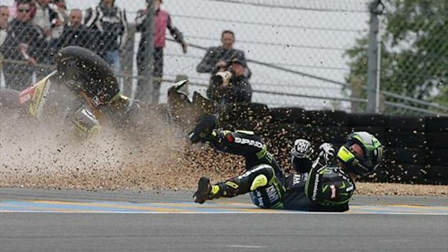 MotoGP Le Mans: Crutchlow suffers shin fracture in crash