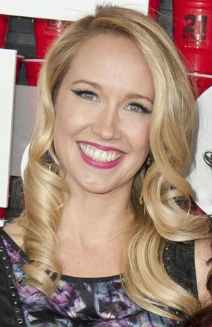 Anna Camp Files for Divorce - Other Stars Who Are on the Divorce Track