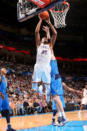 Westbrook rallies Thunder past Mavericks 111-105