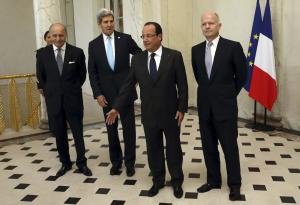 From left, French Foreign Minister Laurent Fabius,…