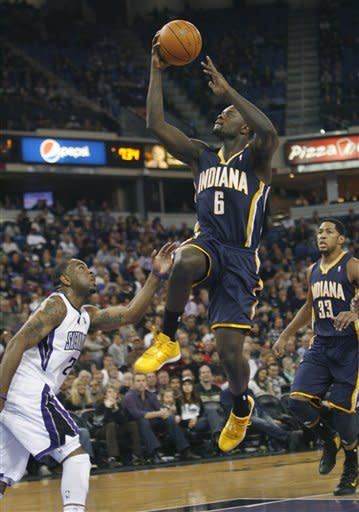 Kings rally in 4th quarter to beat Pacers 92-88
