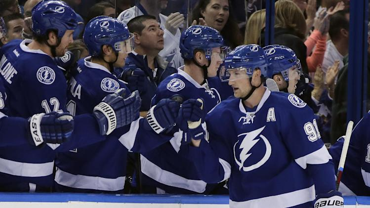 Lightning's Stamkos taken from ice on stretcher