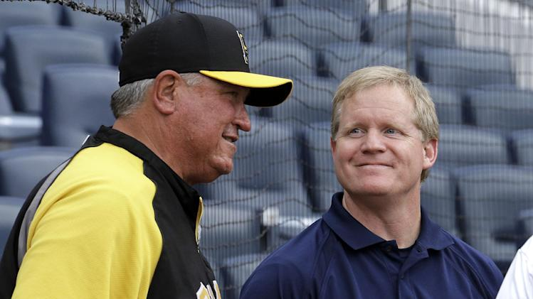 Pirates GM Huntington, manager Hurdle extended