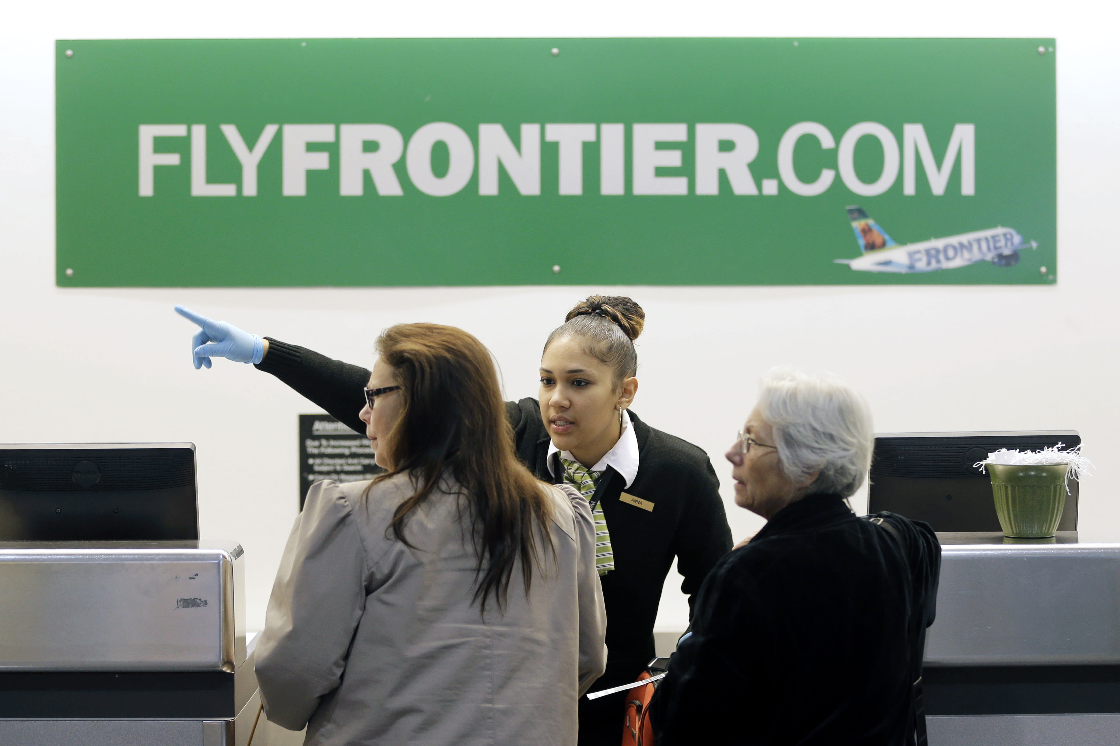 Some travelers love to hate the new discount airlines