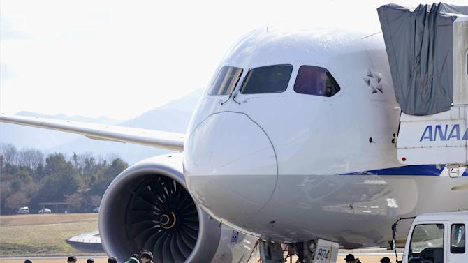 Boeing 787 probe shifts to monitoring system maker