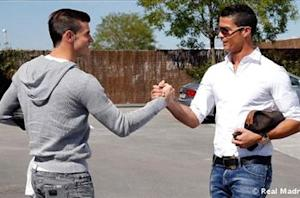Bale meets Ronaldo ahead of first Real Madrid training session