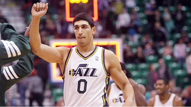 NBA - Jazz escape Wizards comeback bid in narrow win
