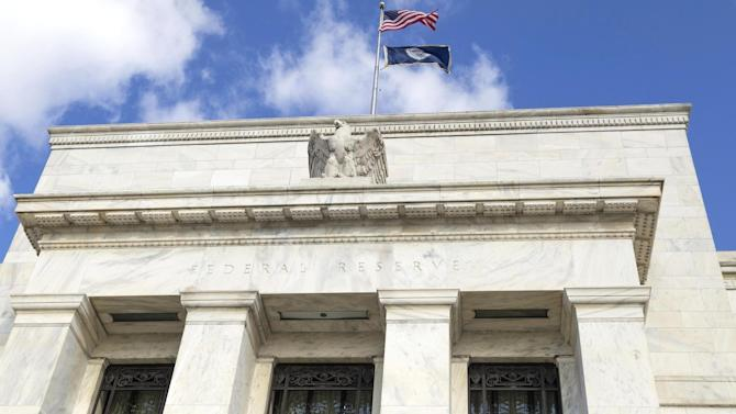 Fewer economists believe US policy on right track