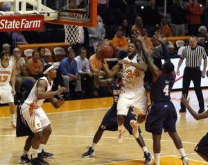 Tennessee beats Mississippi 73-60