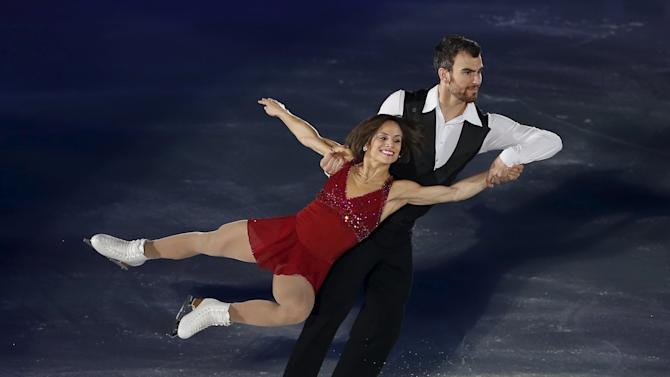 Duhamel and Radford of Canada perform during the gala exhibition at the ISU Grand Prix of Figure Skating in Nagano