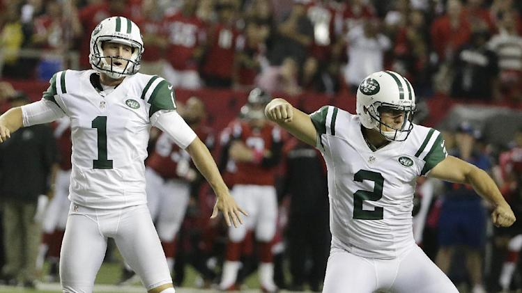 Jets punter sells Michael Vick jersey No. 1 for $10,000 to a go…