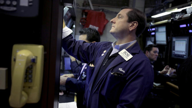 """Stocks gain on """"cliff"""" hope, led by banks"""