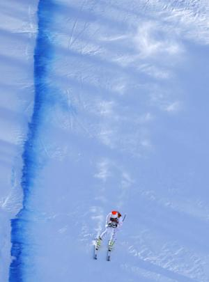 Bode Miller leads downhill training; women delayed