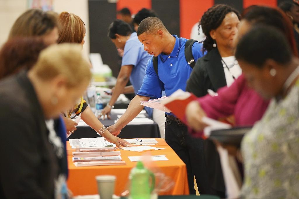 US private-sector hiring steady in February