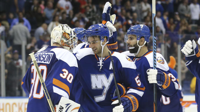 Nielsen hat trick lifts Islanders over Stars 7-5