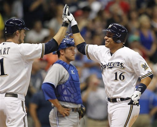 Ramirez homer snaps tie in Brewers win over Jays