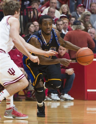 Oladipo lifts No. 1 Indiana to rout of Coppin St