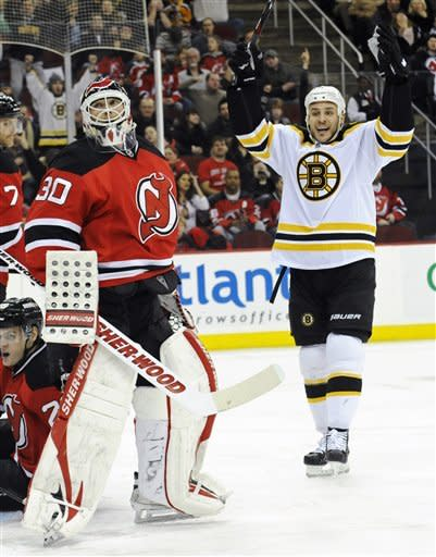 Bergeron scores 2 goals in Bruins' rout of Devils