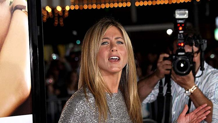 Aniston Jennifer LoveH Appens