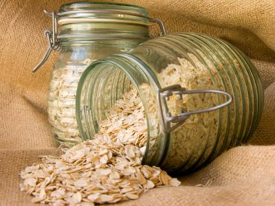 OATMEAL TREATMENT AT HOME