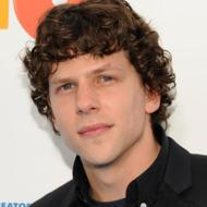 Jesse Eisenberg May Stalk You, But He Won't Get Stoned With You