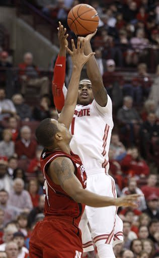 Thomas' 22 helps No. 8 Ohio State roll, 70-44