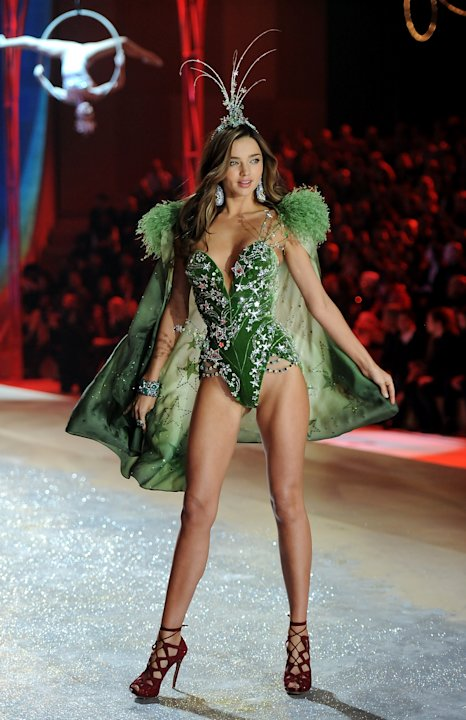 Model Miranda Kerr walks the runway during the 2012 Victoria's Secret Fashion Show on Wednesday Nov. 7, 2012 in New York. The show will be Broadcast on Tuesday, Dec. 4 (10:00 PM, ET/PT) on CBS. (P
