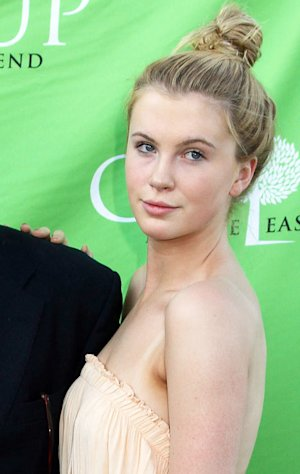 Ireland Baldwin Signs With Modeling Agency, Says She Feels &quot;Blessed, Happy&quot;