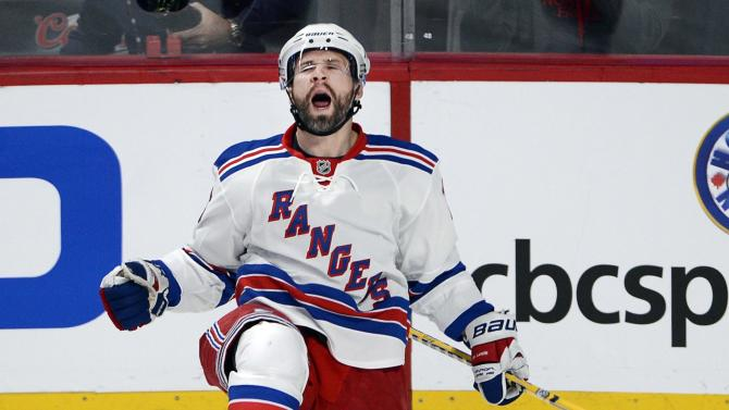 Rangers rout Canadiens 7-2 in Game 1