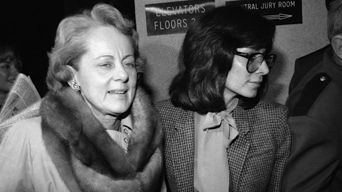 "FILE - In this Feb. 9, 1981 file photo, Jean Harris, left, arrives at court in White Plains, New York  Monday, Feb. 9, 1981. Harris, the patrician girls' school headmistress who spent 12 years in prison for the 1980 killing of her longtime lover, ""Scarsdale Diet"" doctor Herman Tarnower, in a case that rallied feminists and inspired television movies, died Sunday, Dec. 23, 2012, in New Haven, Conn. She was 89. (AP Photo/David Handschuh, File)"