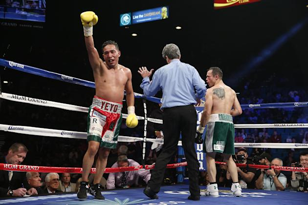 Sergio Thompson of Chetumal, Mexico celebrates after his WBC lightweight boxing match against Ricardo Alvarez of Guadalajara, Mexico, Saturday, March 8, 2014, at The MGM Grand Garden Arena in Las Vega