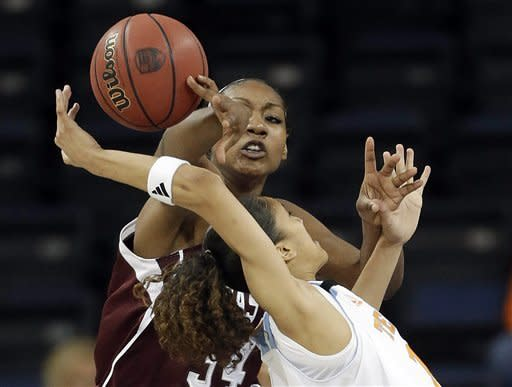 Texas A&M drops Tennessee 66-62 in SEC semifinals