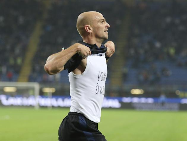 Inter Milan Argentine midfielder Esteban Cambiasso celebrates after scoring during the Serie A soccer match between Inter Milan and Hellas Verona at the San Siro stadium in Milan, Italy, Saturday, Oct