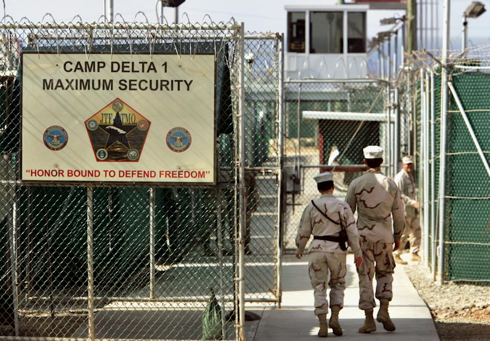 White House pushes to loosen Gitmo transfer rules