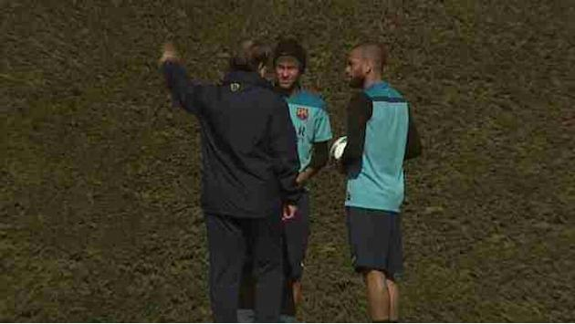 Liga - Neymar, Alves and Pique train with Barcelona